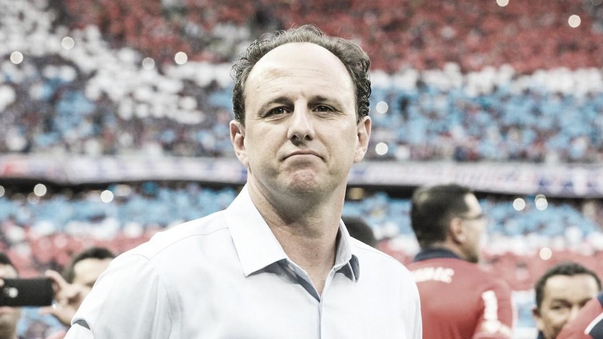 """Técnico do Fortaleza, Rogério Ceni é cauteloso: """"Futebol, em tese, não é algo essencial"""""""