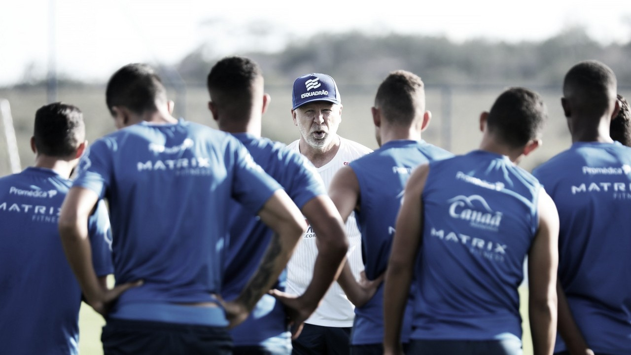 Bahia busca quebrar jejum de vitórias na estreia de Mano Menezes contra o Atlético-GO