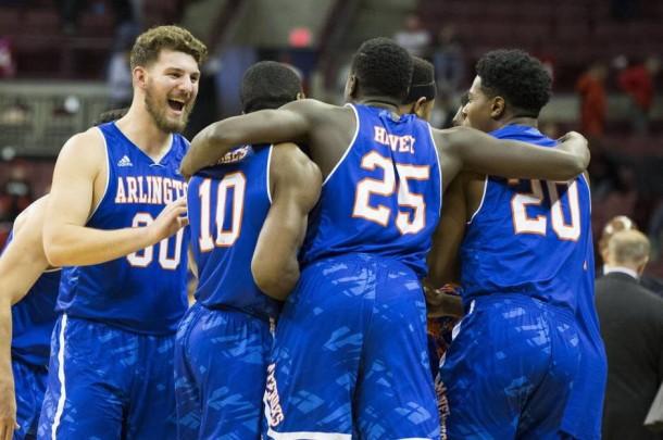Sizzling In The Spotlight: Bennett & Wesner's College Basketball Picks For December 1