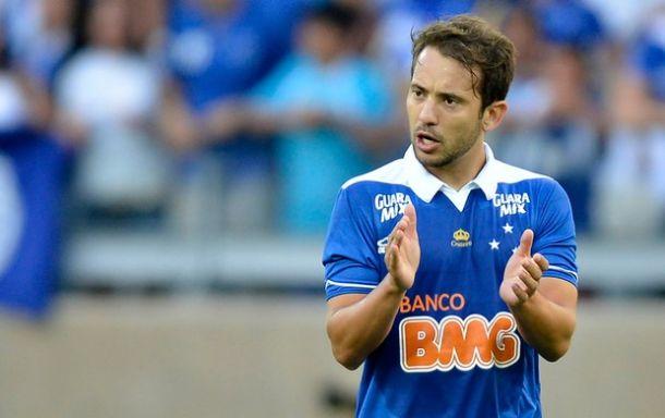 Gilvan admite possível saída de Everton Ribeiro após a Libertadores