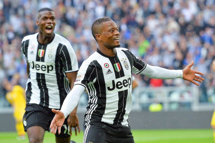 Juventus - Evra, matrimonio prolungato fino al 2018