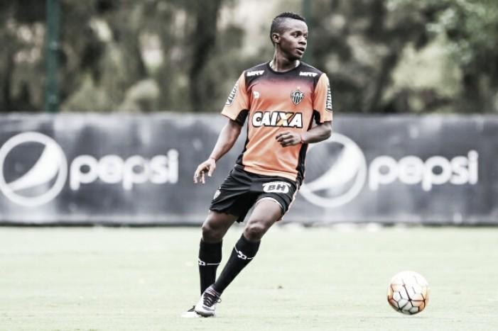 Após sumiço, Cazares treina no Atlético-MG e deve ser relacionado para enfrentar Botafogo