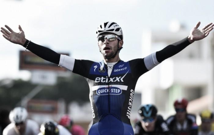 Fernando Gaviria se adjudicó en la clásica París-Tours