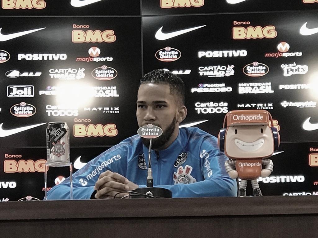 Ex-Fluminense, Everaldo celebra primeiro gol pelo Corinthians e analisa embate pela Sul-Americana