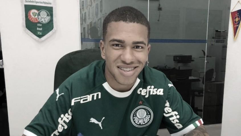 Palmeiras renova contrato com Lucas Esteves e Alan