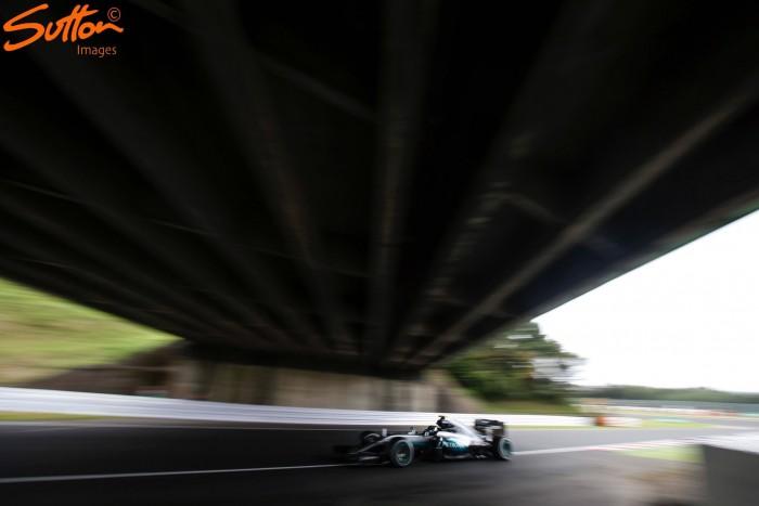 Japanese GP: Rosberg pips Hamilton in FP2