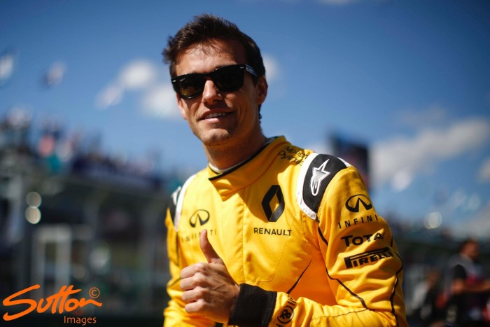 Jolyon Palmer to be kept on by Renault