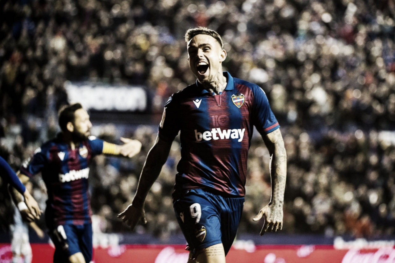 Roger celebrando uno de sus goles en el último partido del Levante ante el Celta como local / Fuente: levanteud.com