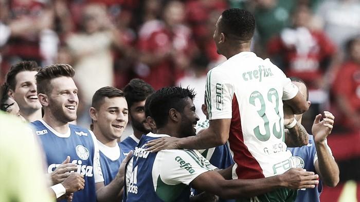 Palmeiras leva a melhor no Mané Garrincha e tira Flamengo do G-4