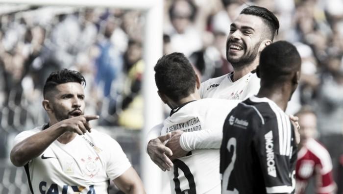 Corinthians vence Ponte Preta e acaba com jejum de vitórias