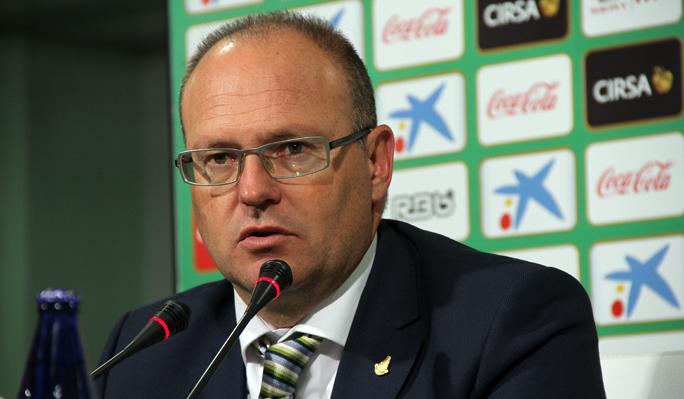 Betis y Sporting se juegan tres puntos vitales