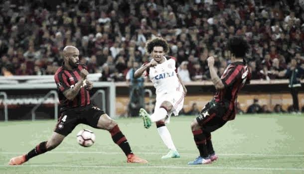 Athletico-PR x Flamengo AO VIVO hoje (0-2)