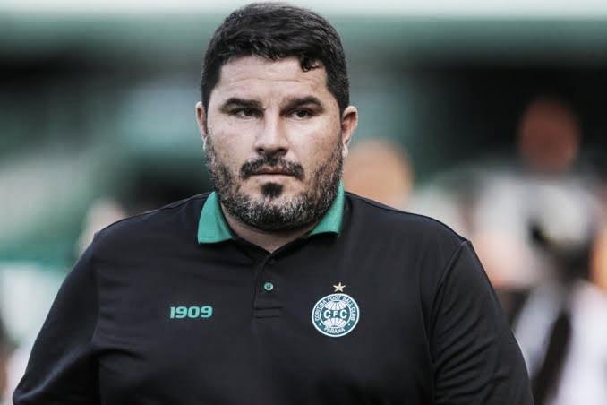Eduardo Barroca, do Coritiba, é primeiro técnico demitido do Brasileirão