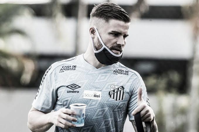 Sasha entra em acordo com Santos e está perto de acerto com Atlético-MG