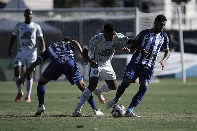 Avaí e Chapecoense testam boa fase no jogo de ida da final do Catarinense