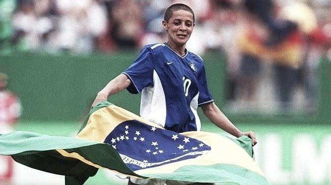 Exclusivo: ex-Seleção Brasileira, Sissi fala sobre Pia, futebol infanto-juvenil e Copa do Mundo