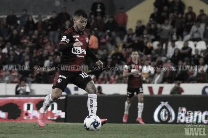 Luciano Acosta, ¿su fútbol compensa su falta de sacrificio?