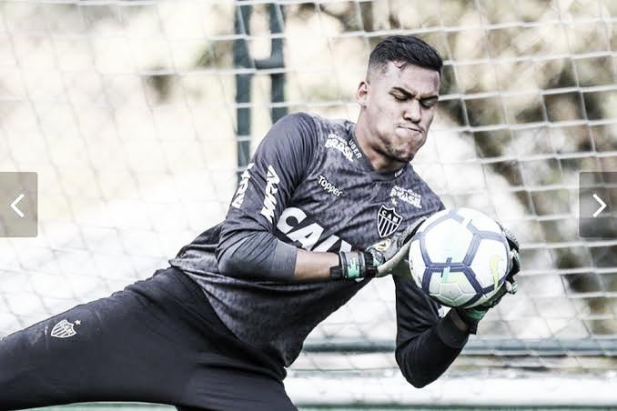 Atlético-MG confirma empréstimo de goleiro Matheus Mendes ao CSA
