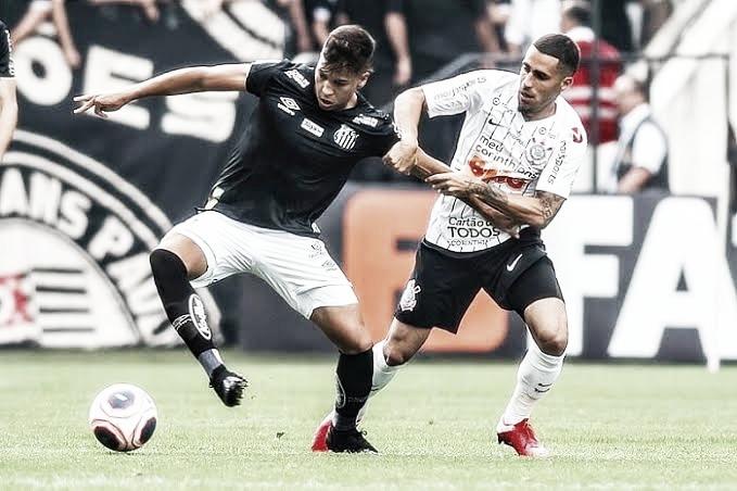Pressionados, Santos e Corinthians buscam recuperação em clássico na Vila