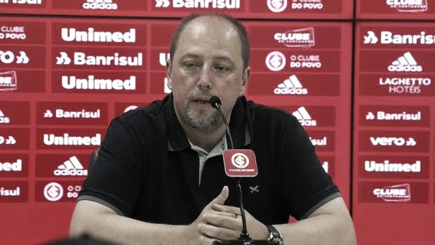 """Após eliminação, Barcellos critica atuação do Inter """"Tem obrigação de enfrentar adversários como time grande"""""""