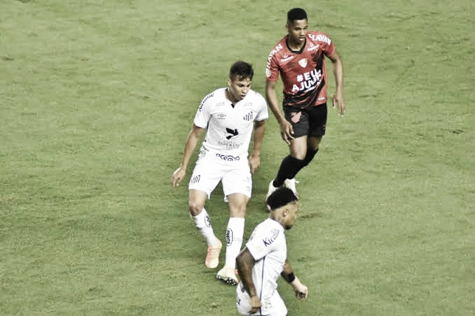 Santos busca quebrar sequência positiva do Athletico no Brasileiro