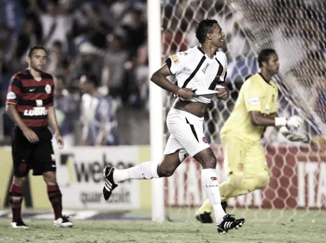 Recordar é viver: há 10 anos, Vasco vencia o Flamengo em clássico marcado por expulsões