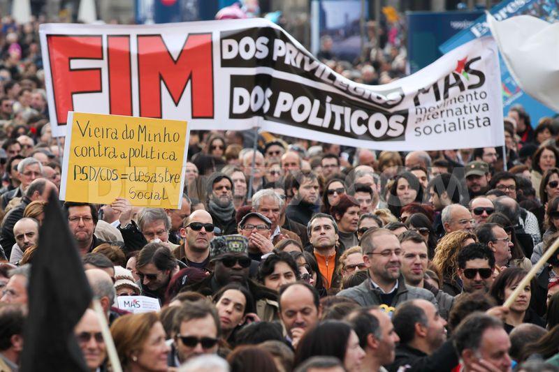 Avance izquierdista antitroika en Portugal