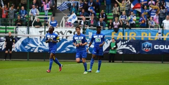 L'ESTAC se qualifie Troyes buts à rien