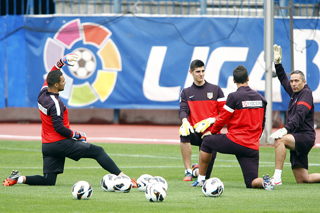 El Atlético realizó a puerta cerrada su último entrenamiento antes de viajar a Sevilla