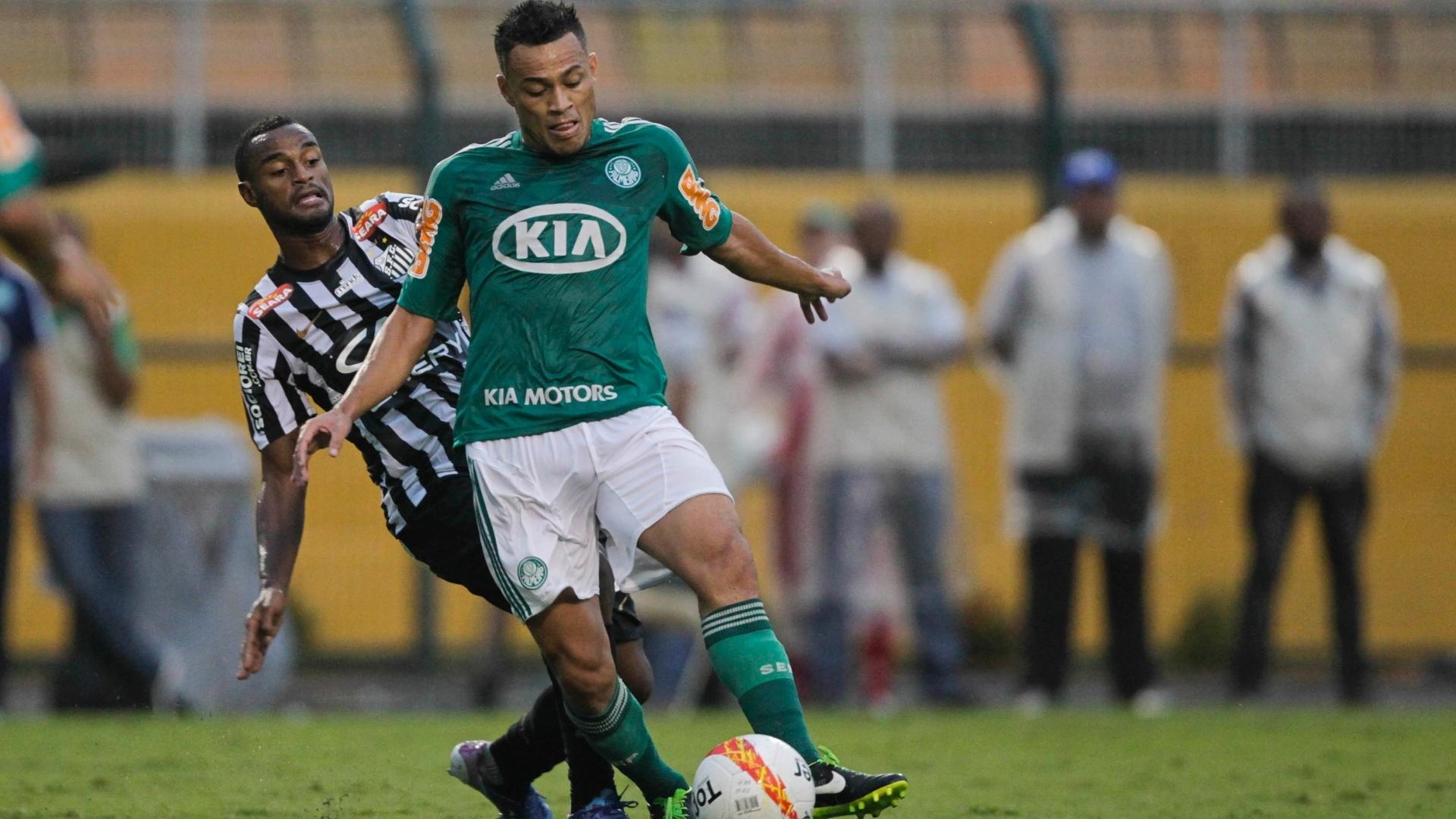 Com contusão no tornozelo, Palmeiras perde Léo Gago por 3 meses