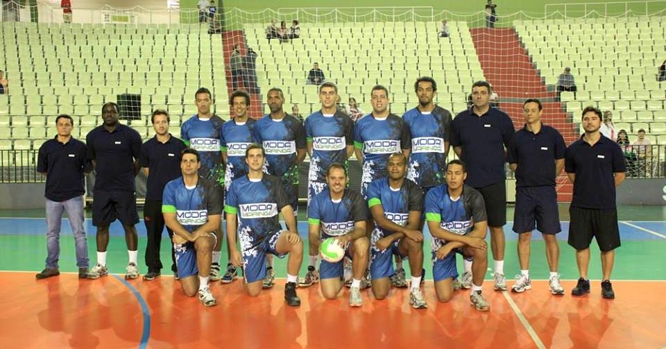 Moda Maringá-PR se apresenta para disputar a Superliga 2013/2014