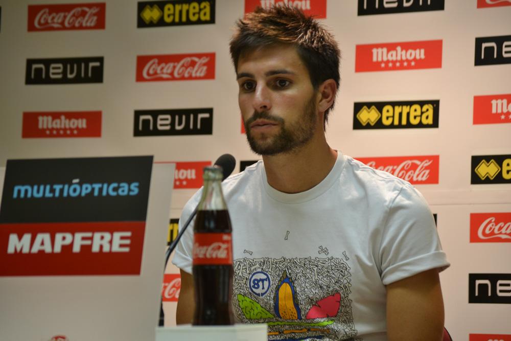 """Adrián González: """"Jugaremos como hemos venido haciendo hasta ahora"""""""