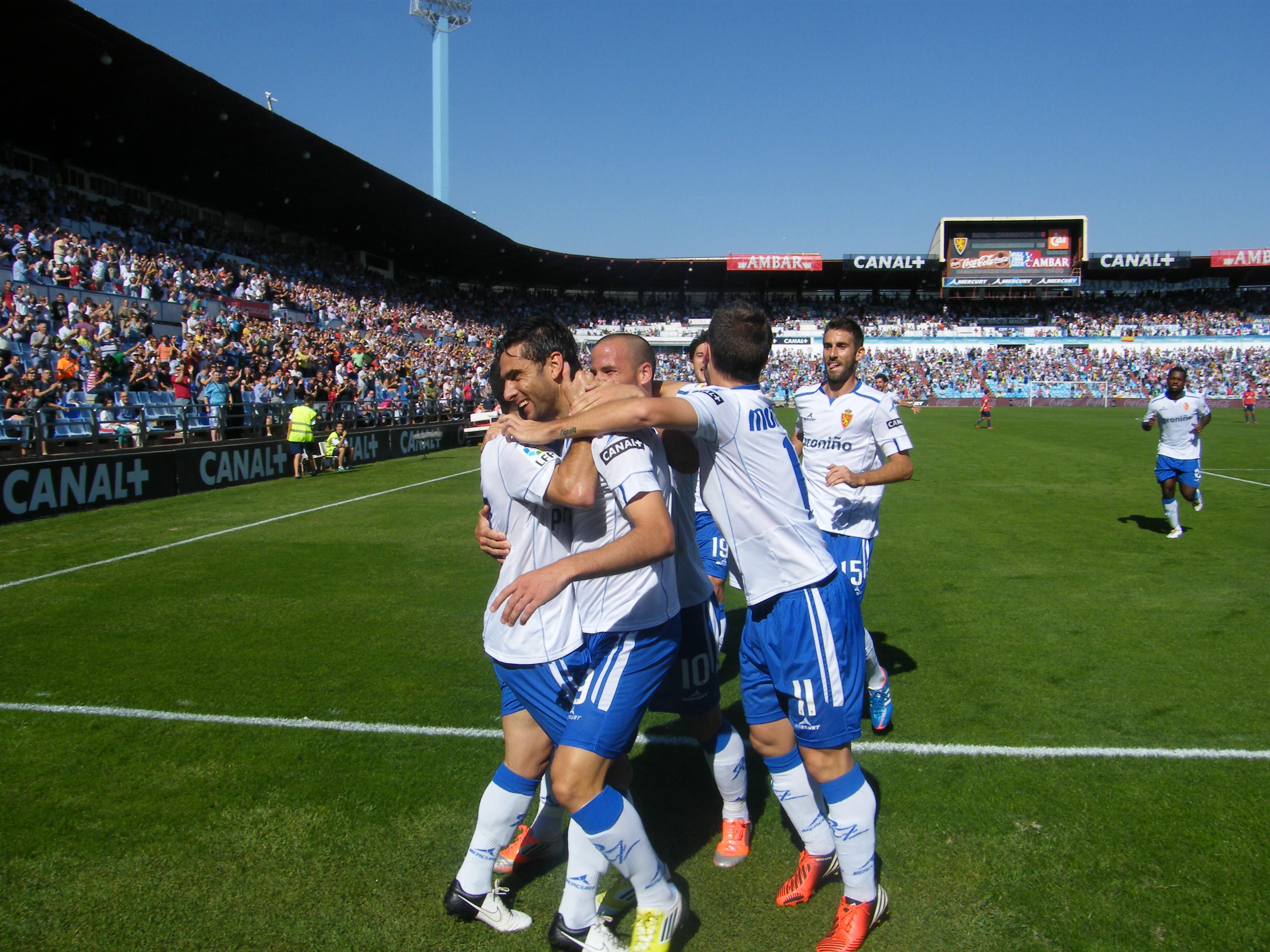 El Real Zaragoza gana y convence