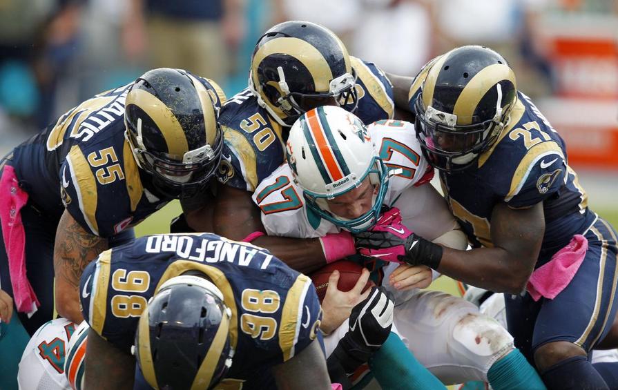 Los Rams no resuelven su remontada, vencen los Dolphins