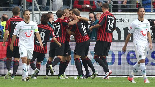 El Eintracht de Frankfurt gana y conserva el segundo puesto