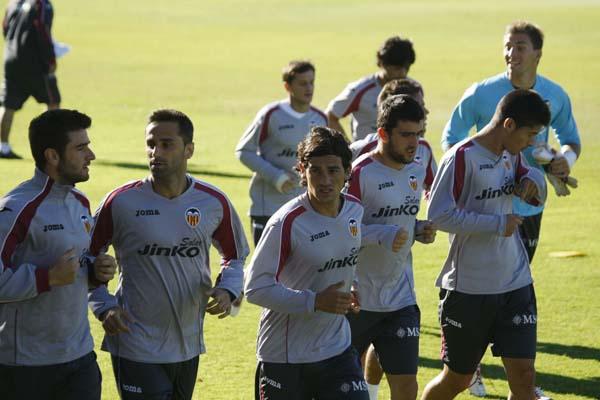 Ricardo Costa entrena con el grupo