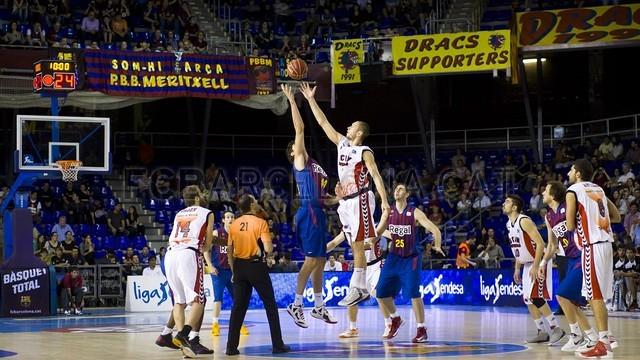 El Barcelona recupera la brújula de la mano de Marcelinho