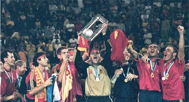 Serial Mundiales de Futsal: Guatemala 2000, primera estrella en el pecho español