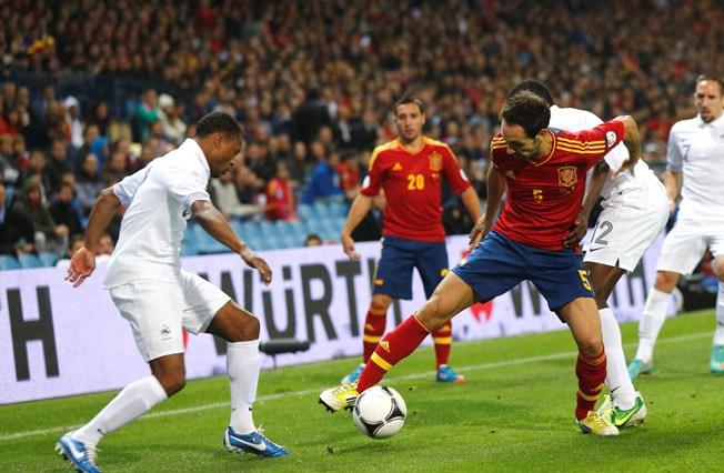 Juanfran debuta en partido oficial con España en el Calderón