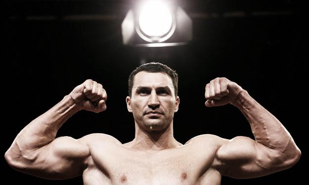 Wladimir Klitschko vence a Wach y continua haciendo historia
