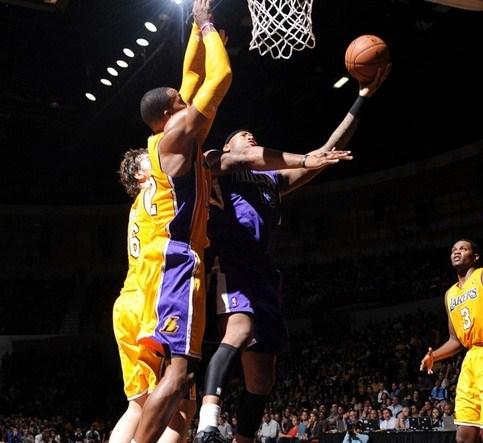 Pretemporada NBA: los Lakers siguen sin rumbo
