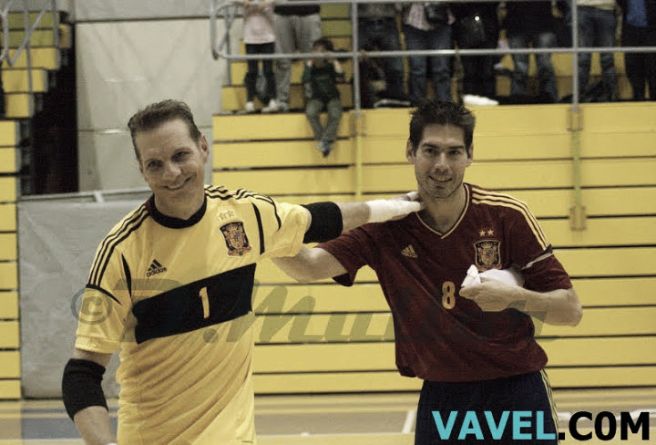 España homenajea a Luis Amado goleando a Costa Rica
