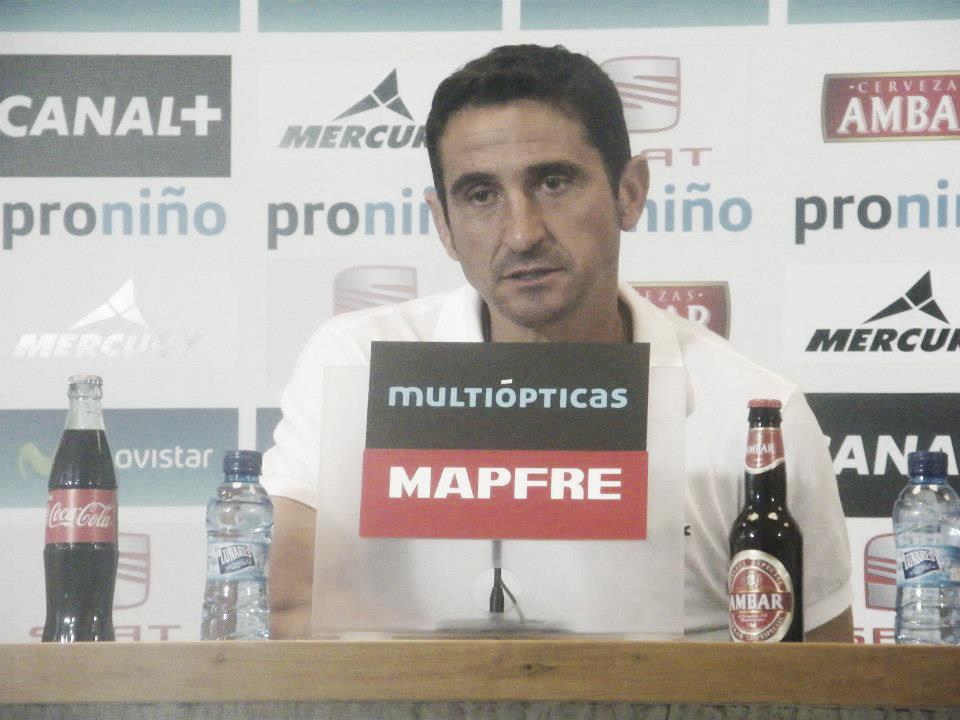 """Manolo Jiménez: """"Nos tiran poco a puerta y nos marcan gol, llegamos con claridad y nos cuesta marcar"""""""