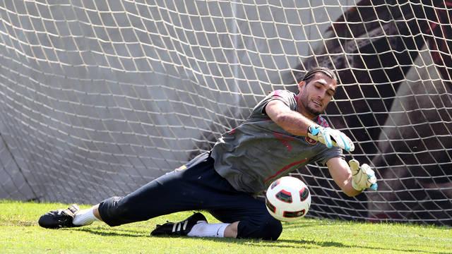 """Pinto: """"Me gustaría retirarme en el Barça"""""""