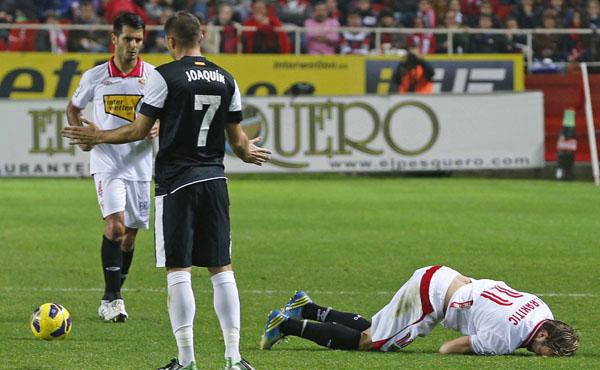 Rakitic, baja tres semanas; Perotti, duda