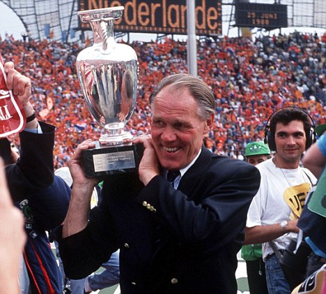 Rinus Michels, totalement football