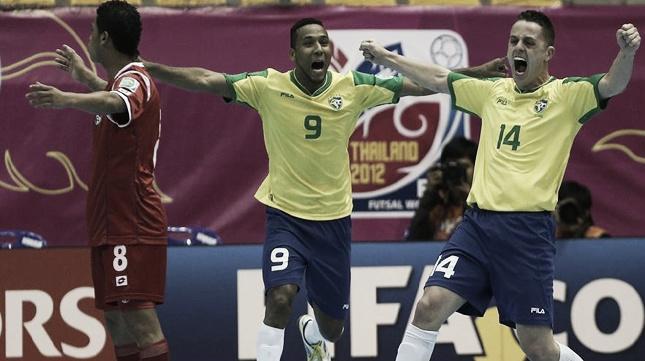 Brasil se pasea ante Panamá