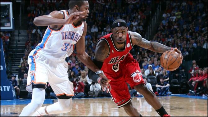 LeBron se exhibe y los Clippers ganan el derbi angelino