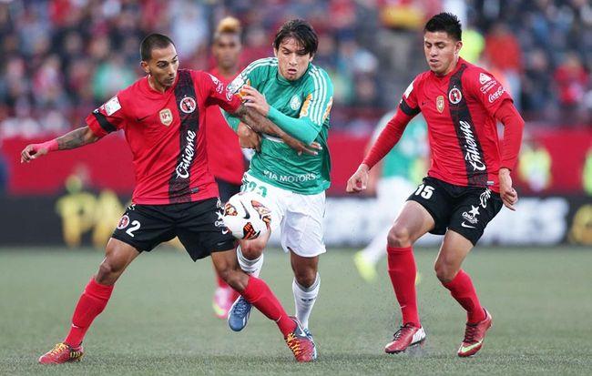 Apesar da desconfiança dos médicos, Kleina confirma Valdivia para duelo contra o Tijuana