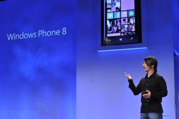 Microsoft, de la mano de Nokia, se une a Apple y Google en la batalla de los smartphones